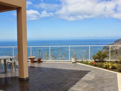 FERIENHAUS MIT MEERBLICK in Calheta (Madeira)